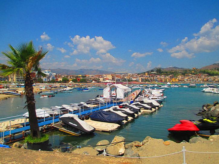 giardini-naxos zona porto foto taobook