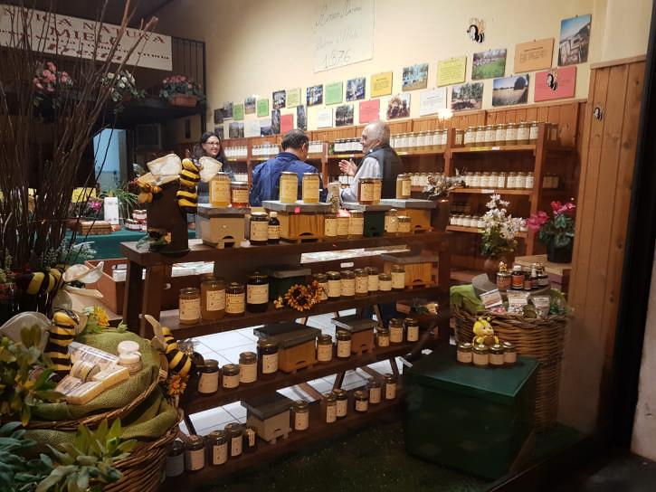 zafferana ottobrata negozio prodotti locali foto taobook