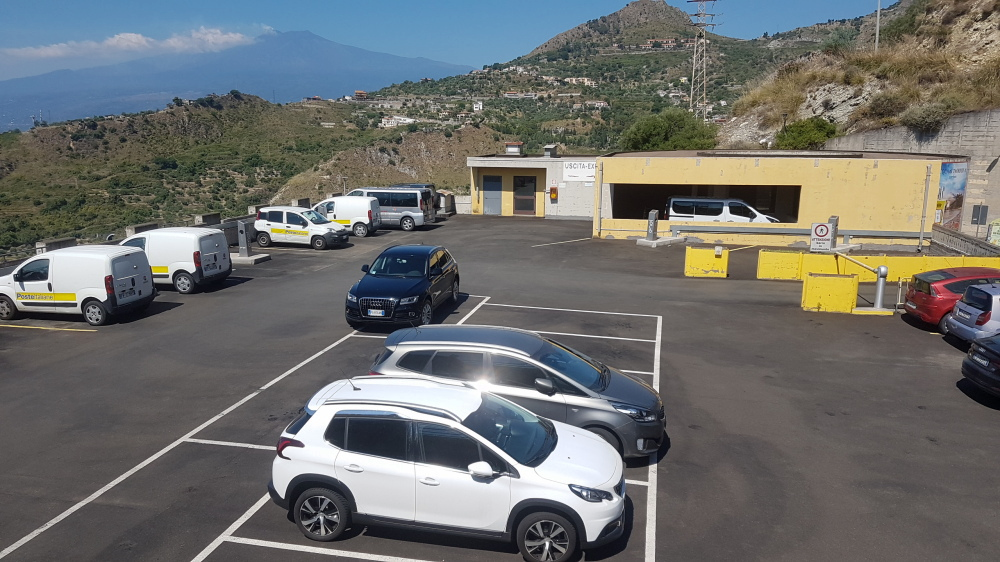 taormina pubblic parking