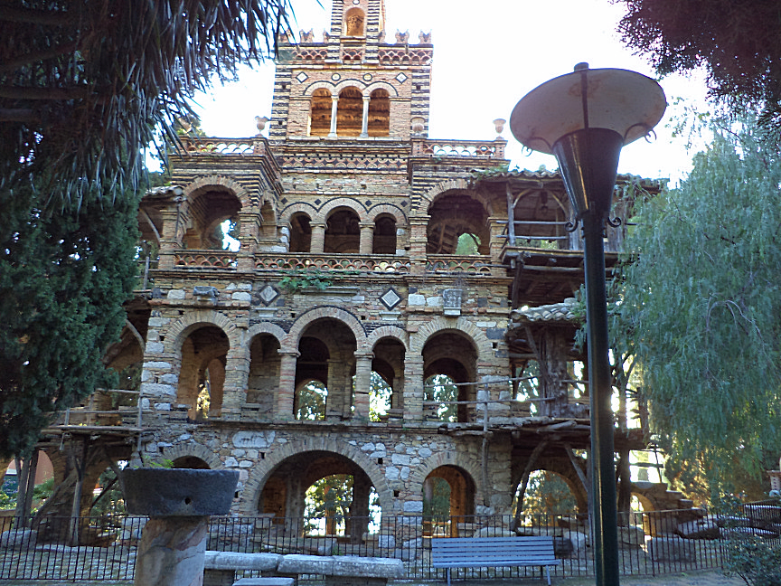 the biggest Victorian follies inside public garden in taormina