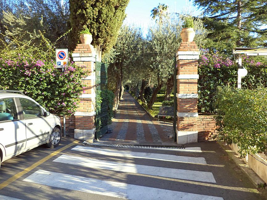 entrance near monte taouro