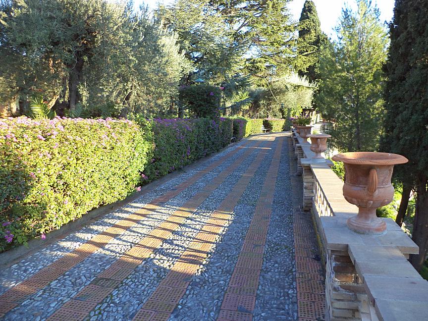 taormina panoramic way in public garden