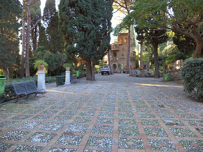 taormina villa comunale casa del custode