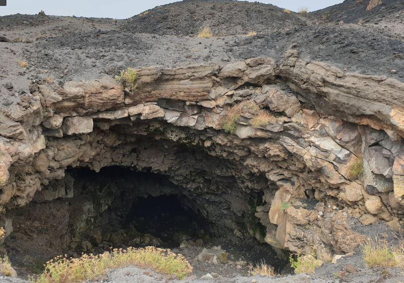 le grotte dell'etna