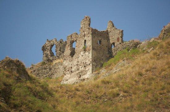 ruderi castello ruffo