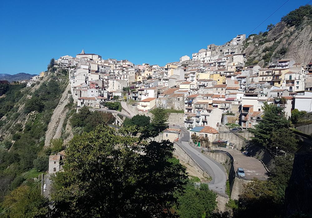 motta camastra the city on the rock in alcantara valley