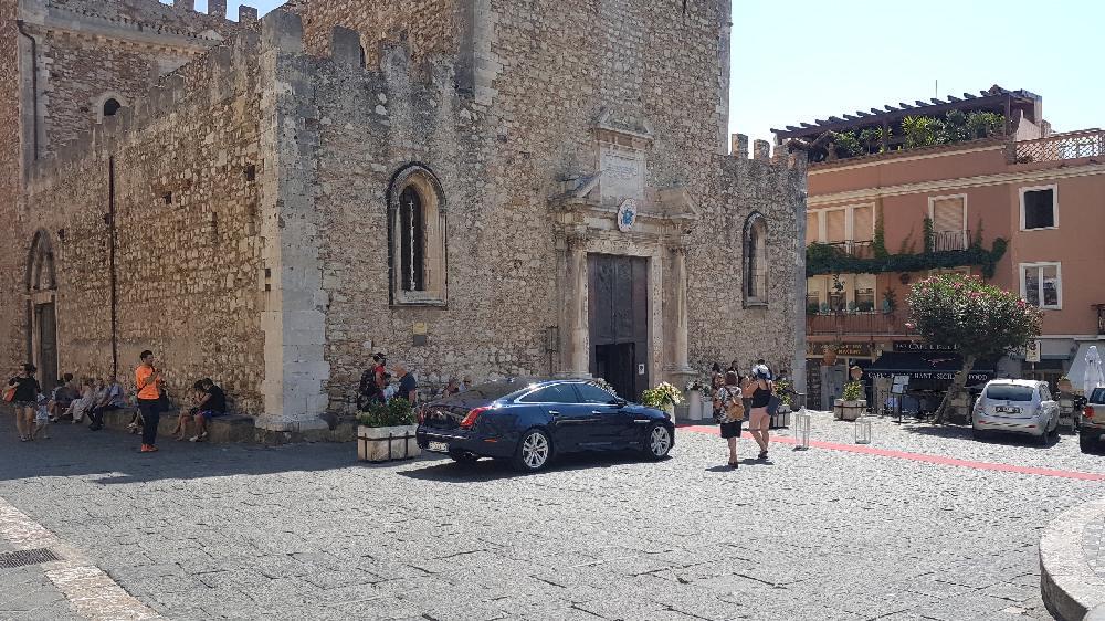 duomo square of taormina