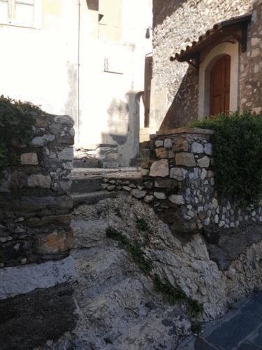 castelmola scala ricavata dalla roccia