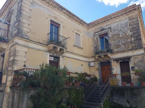 castiglione di sicilia 21 11 2018 palazzo