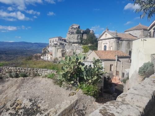 castiglione di sicilia 21 11 2018 veduta castello lauria da castelluccio