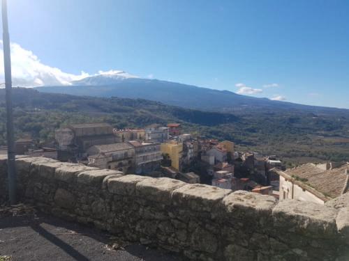 castiglione di sicilia 21 11 2018 veduta etna dal castelluccio